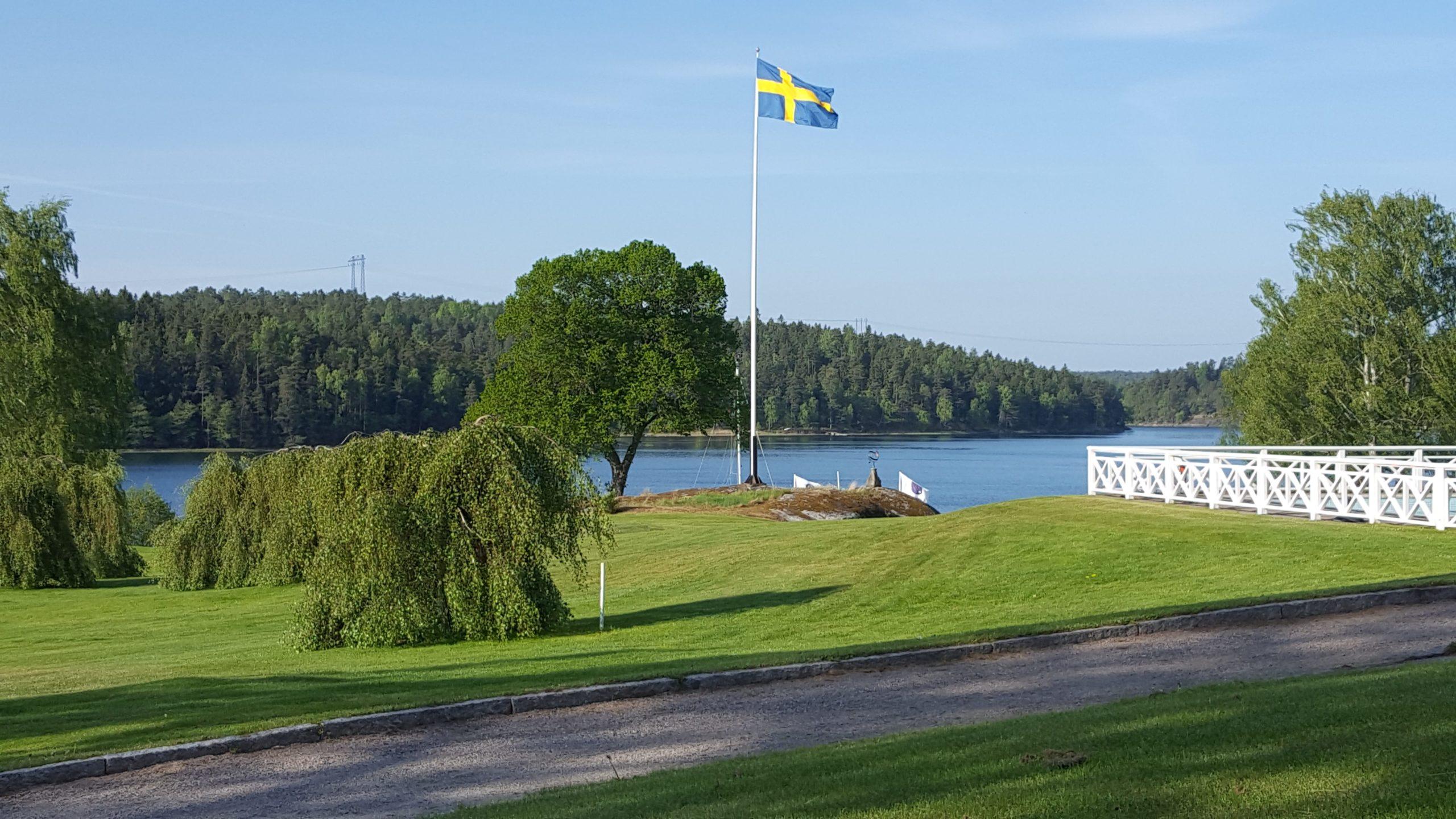 Läs mer om artikeln Flaggtävling på Sveriges Nationaldag!